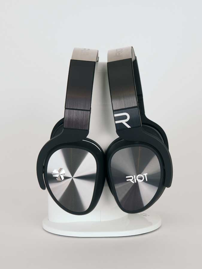 jlab_riot_headphones_675